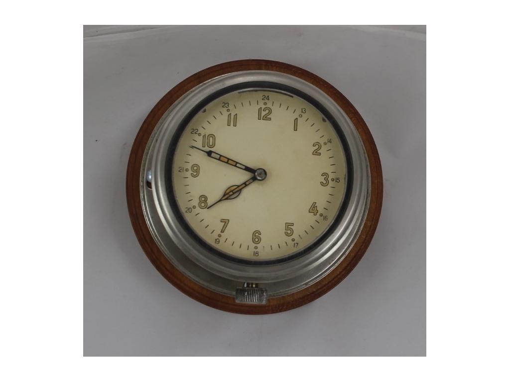 400 Корабен  часовник